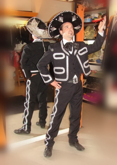 Mariachi - Disfraces Todo Disfraz - Alquiler de disfraces en Capital ... c4ea561d93d