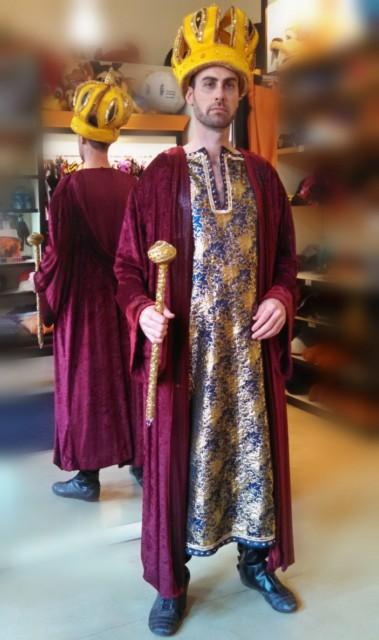 Rey disfraces todo disfraz alquiler de disfraces en for Disfraces de alquiler