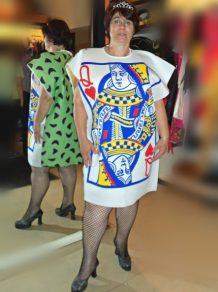 todo-disfraz-carta-reina-2623